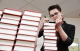 Veronica Roth Featured in the Chicago Tribune