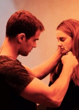 Updated: NEW Divergent Still Featuring Tris and Four