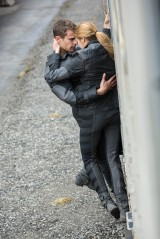 New Tris and Four Still From the DivergentMovie